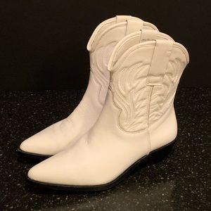 Steve Madden White Leather Corpus Weatern Boots